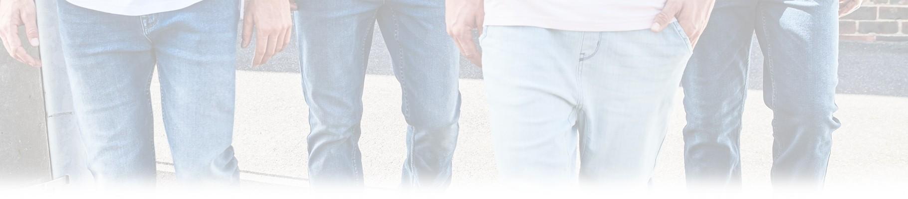 Jeans uomo alla moda e firmati dai migliori marchi di abbigliamento