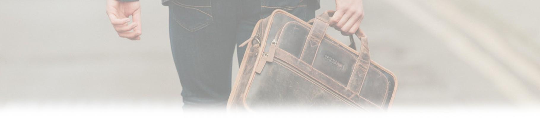 Troverai tantissime borse per uomo, firmate dai migliori stilisti