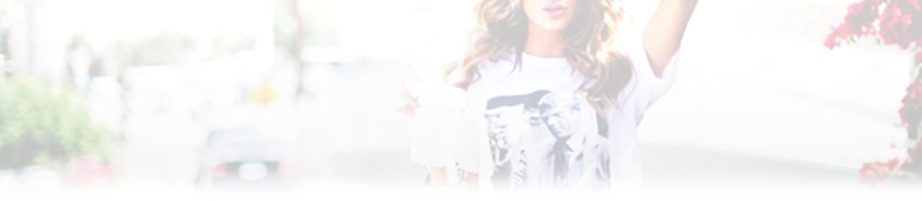 Discover all the women's t-shirts now and choose from many models